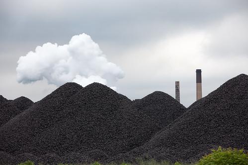 detroit michigan delray southwestside zugisland coal uss unitedstatessteel img0628 industrial pollution polluted river water fish fishing fishermen usa e1 ortn