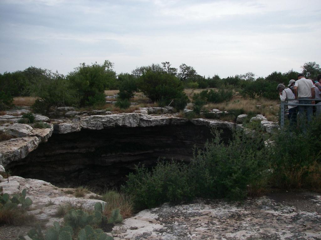 Devil's Sinkhole, Texas