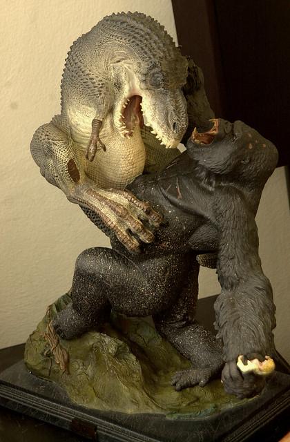 Venatosaurus Rex battles King Kong - a photo on Flickriver