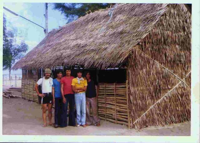 Nam Ròm: Hình xưa Trại Tị Nạn - SONGKHLA-THAILAND-REFUGEE CAMP