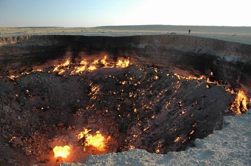 john fire desert flame centralasia 2009 turkmenistan darvaza karakum views100 karakumdesert gascrater worldtrekker 20090604dsc4415