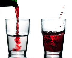 old fashioned glass, pint glass, drinkware, distilled beverage, glass, red wine, drink, pint (us), alcoholic beverage,