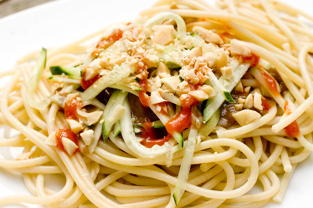 Cold Noodles with Peanut Sauce on plate 4 | Flickr - Photo ...
