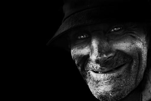 [フリー画像素材] 人物, 中年・高齢者, 笑顔・スマイル, ボディーパーツ - 顔, モノクロ ID:201303271800