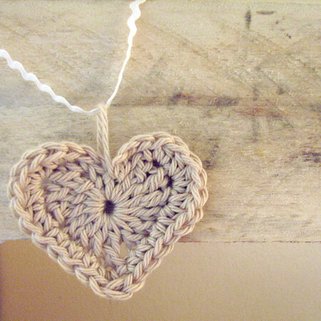 Crochet Ruffled Bag Crochet Pattern | Red Heart