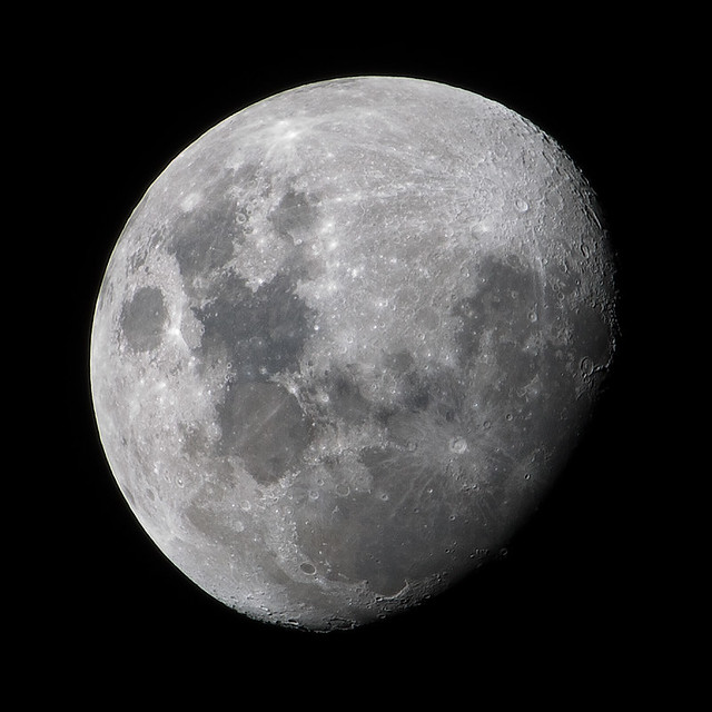 luna waxing gibbous moon flickr photo sharing
