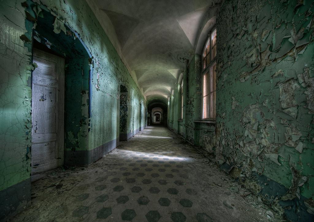 3910887390 d72a14d686 b - Kamu suka horror ? berani ngunjungin 10 tempat paling menyeramkan di dunia ini ?