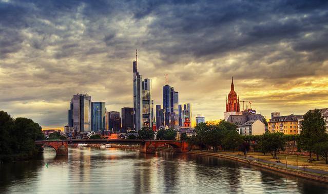 9:38 Pm - Frankfurt Am Main
