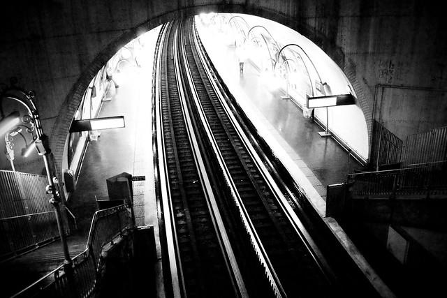 film noir metro