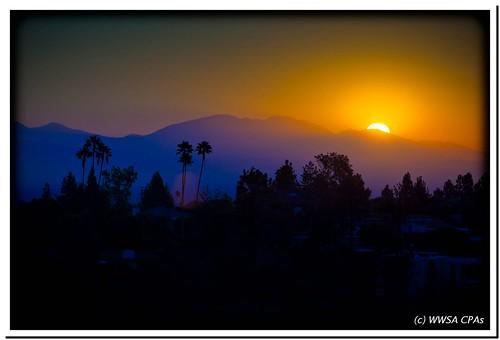 mountain sol colors sunrise y dale que pa alegria es tu barrio cosa buena macarena cuerpo southpasadena darle ineverknowwhattoputinthetags ehhhhmacarenaoohhheee