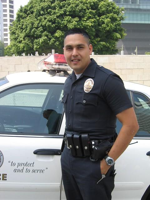 4066104066 cdba59ee56 - Police officer in california ...