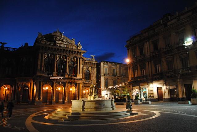 Teatro Massimo Bellini por Leandro Neumann