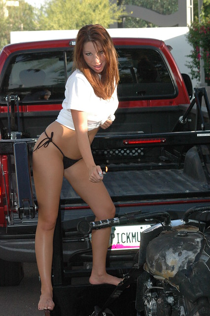 X-tra Lift truck with a HOTTIE torching a bike - a photo ...
