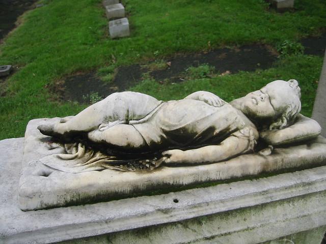 Baby Sleeping Grave 115-1594