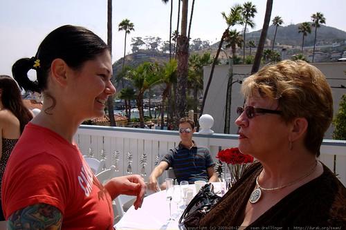 rachel talking with austin's mom    MG 3363