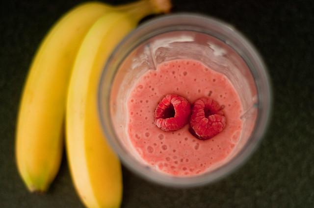 raspberry banana smoothie - 02 | Flickr - Photo Sharing!