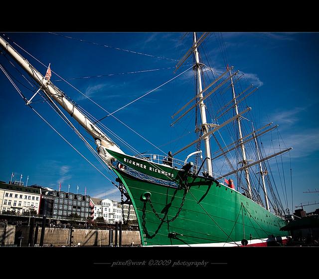 Sail Away (Seaport-Hamburg)