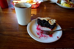 coffee and huckleberry pie    MG 0254
