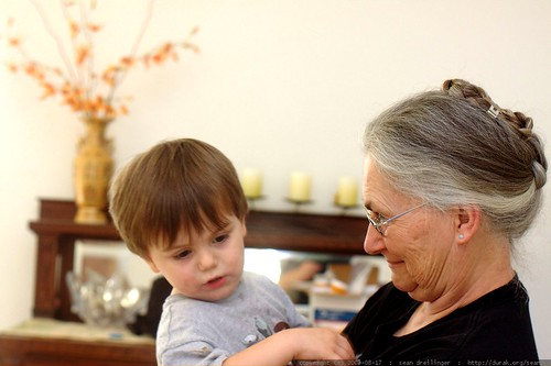 sequoia crying on his grandma's shoulder    MG 1629
