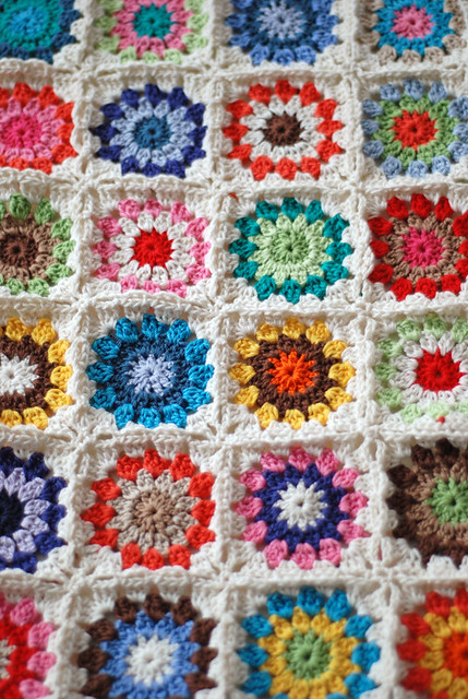 How To Crochet A Granny Square Blanket Pattern : photo