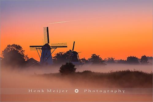 mist holland mill nature netherlands windmill fog sunrise canon boer landscape geotagged dawn windmills 300mm ten groningen mills meijer sawmill henk damsterdiep tenboer canonef300mmf28lisusm floydian canoneos1dsmarkiii henkmeijer widdemeuln bovenrijge geo:lat=53269024 geo:lon=6692519