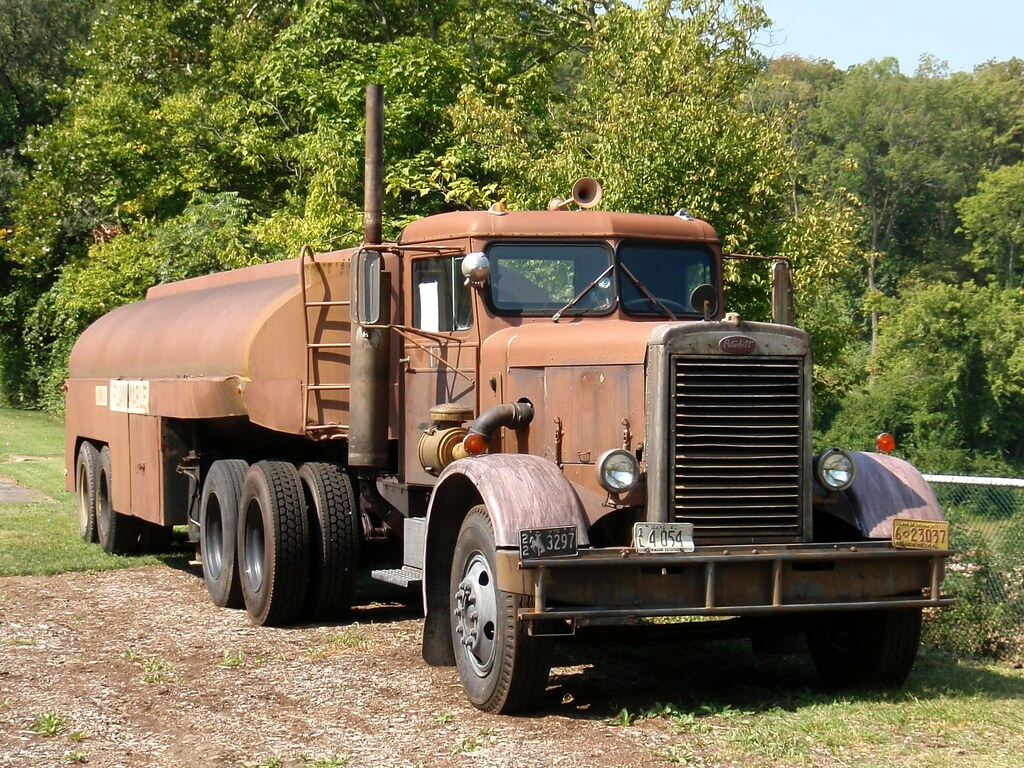 Tow Trucks For Sale In Georgia By Owner moreover Daf Xf Tandem 1 25 X further Peterbilt 379 Flat Top together with Vehicle 469713 Peterbilt 281 1954 further Xt 2268 Pack Final. on kenworth trucks po