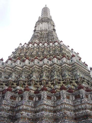BANGKOK, THAILAND - Wat Arun temple - Prang/ БАНГКОК, ТАИЛАНД - Храм Арун