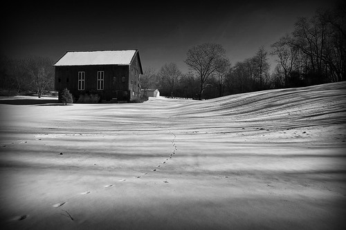 winter ohio bw snow monochrome field barn landscape geotagged nikon raw nef farm cs4 nikkor24120vr d3s starkcountyohio nikongp1 pse8 acr56