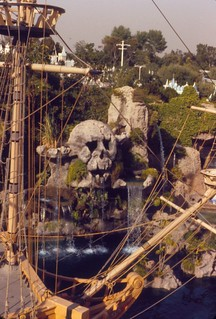 Skull Rock and Captain Hook's Pirate Ship, Disneyland, 1979