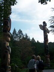 monument(0.0), statue(0.0), totem pole(1.0), art(1.0), temple(1.0), tree(1.0), tourism(1.0), sculpture(1.0),