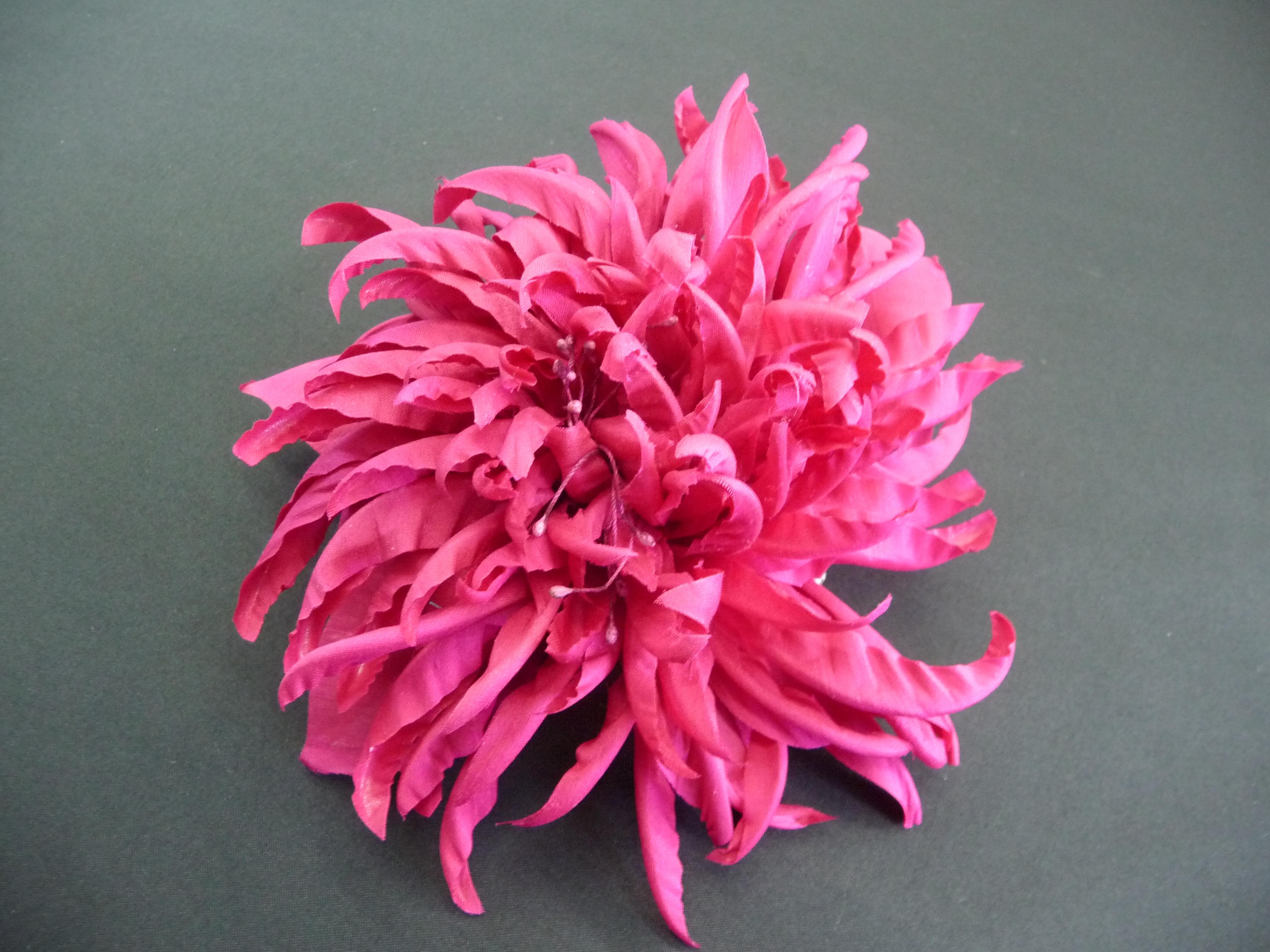 Flores hechas a mano de tela imagui - Flores de telas hechas a mano ...