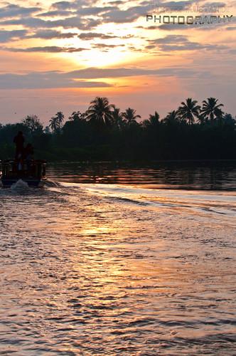 river indonesia geotagged nikkor d300 kalimantan banjarmasin teeje geo:lat=3303507 martapura southborneo geo:lon=114621219