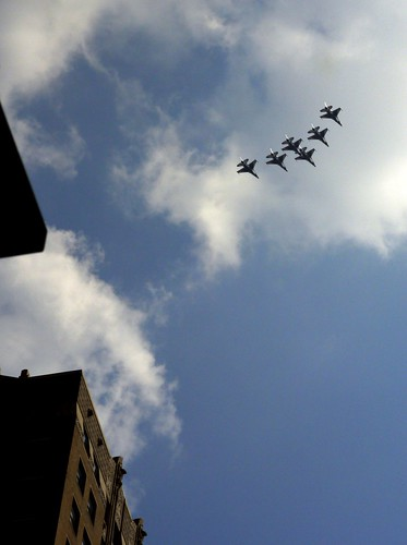 USAF Thunderbirds over the Chicago Loop