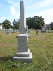 monument(0.0), obelisk(1.0), cemetery(1.0), headstone(1.0), memorial(1.0), grave(1.0),