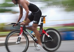 keirin(0.0), hybrid bicycle(0.0), endurance sports(1.0), bicycle racing(1.0), road bicycle(1.0), individual sports(1.0), vehicle(1.0), triathlon(1.0), sports(1.0), road bicycle racing(1.0), cycle sport(1.0), cyclo-cross bicycle(1.0), racing bicycle(1.0), road cycling(1.0), duathlon(1.0), cycling(1.0), bicycle frame(1.0), bicycle(1.0),