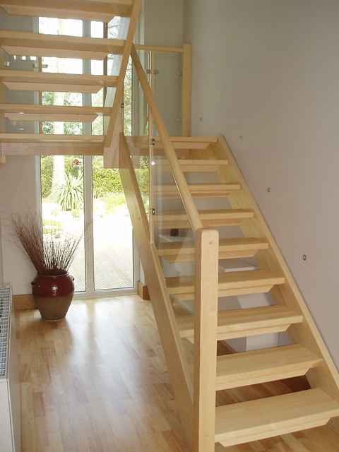 Half Turn Staircase With Glass Infill Panels Flickr