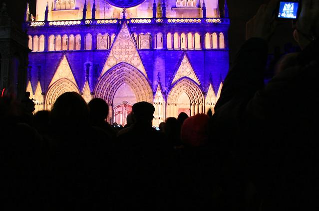 foto Eglise Saint-Nizier illuminata per la festa delle luci Lione