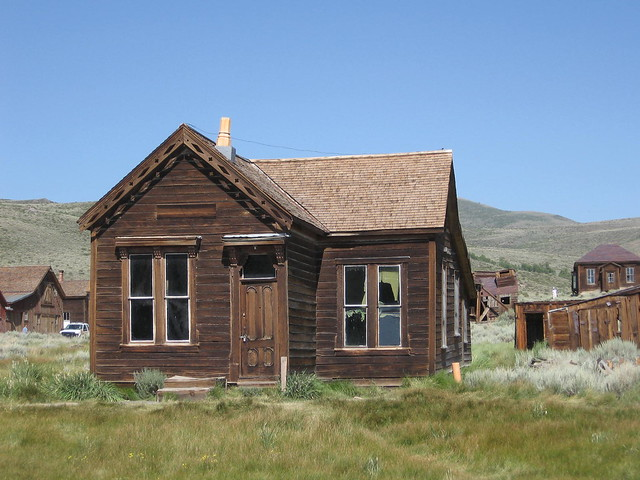 Bodie Lottie Johl House New Roof Old Curtains Flickr