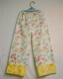 Tutorial for Vintage Pillowcase PJ Pants