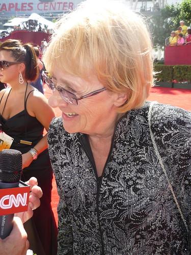 Kathryn Joosten enjoying the media attention