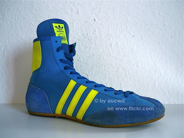 UNWORN VINTAGE ADIDAS COMBAT SPEED WRESTLING SHOES. - very hard to find