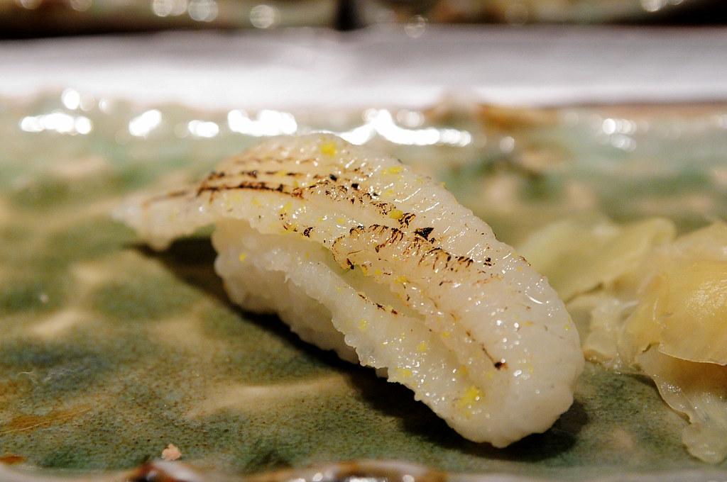 筌壽司-炙燒比目魚鰭邊肉握壽司
