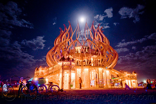 DSC07473 - Burning Man 2009 - The Temple under the full moon
