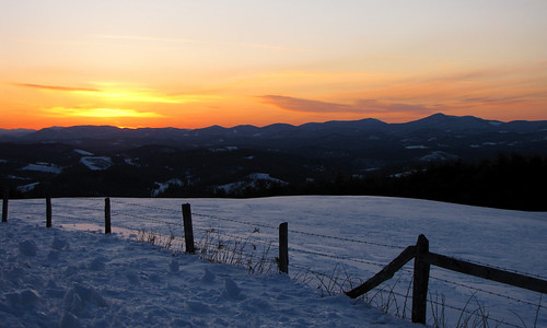 winter sunset snow fence landscape northcarolina february landschaft blueridgeparkway appalachianmountains westernnorthcarolina wataugacounty southernappalachians ccbyncsa canonpowershotsx10is mountjeffersonoverlook