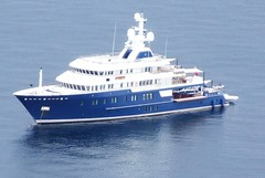 naval architecture, ferry, luxury yacht, motor ship, vehicle, ship, passenger ship, watercraft, boat,