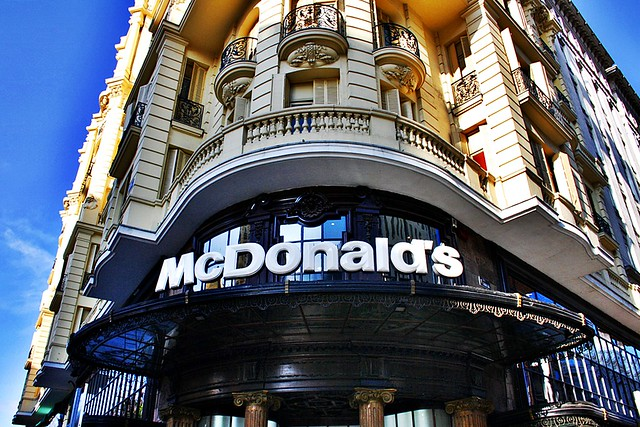 Segundo mcdonalds de espa a 1981 gran v a y montera for Oficinas mcdonalds madrid