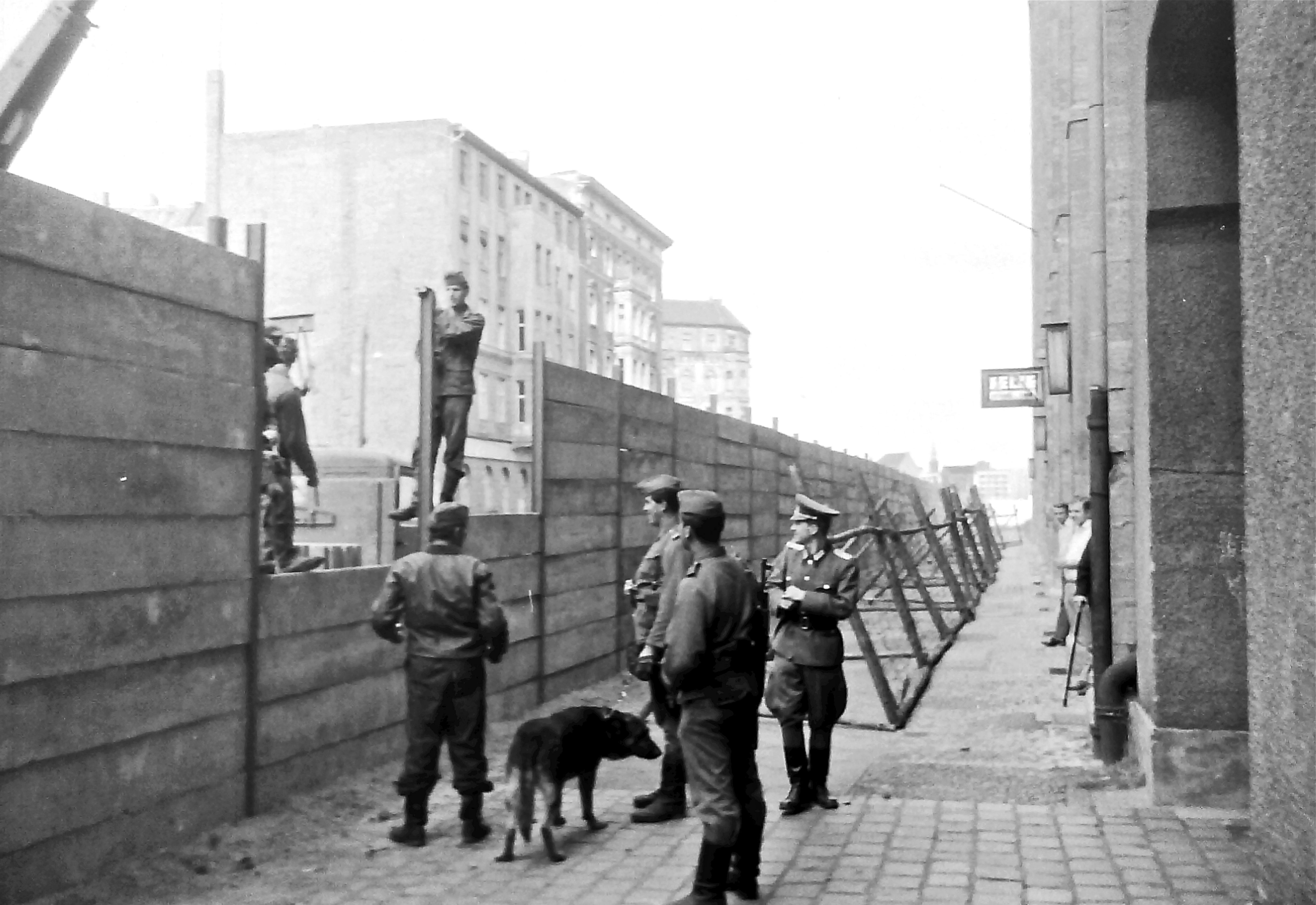 a history of the building and the fall of the berlin wall Ap covers the fall of the berlin wall — part of the continuing series of special  reports  jam east berlin in the largest pro-reform rally in the nation's 40-year  history  who supervised the building of the berlin wall in 1961, is replaced by  egon.