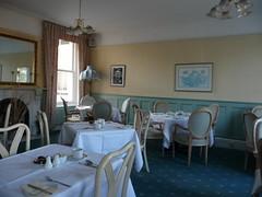 Breakfast tables 113