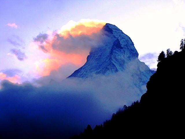 Rose Cloud Crown On Matterhorn The Matterhorn Like Many