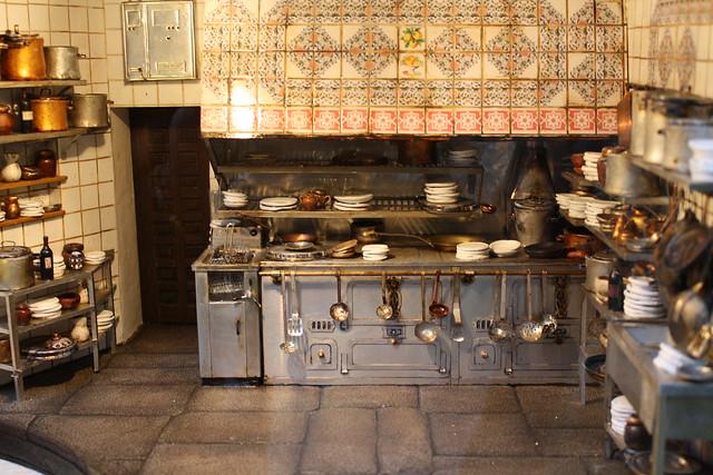Miniatura de la cocina de casa bot n madrid explore for Casa botin madrid